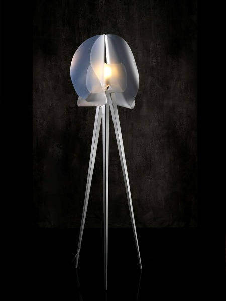 Soo Ji Shin: 'Sails' floor lamp